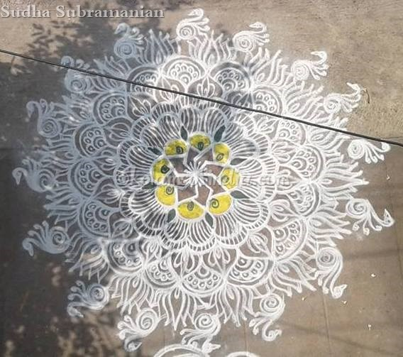 big_freehand_white_kolam_rangoli