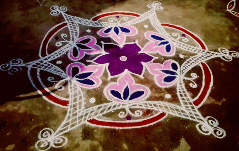 Freehand Kolam || Dotless Muggulu || New Year Rangoli