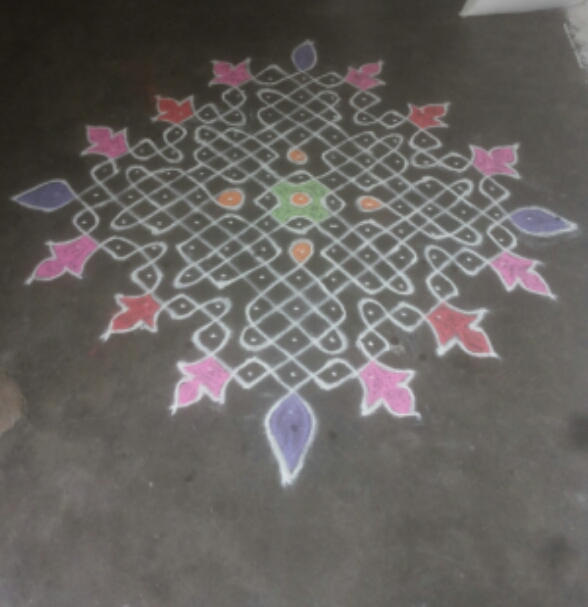 sikku kolam with 15 dots