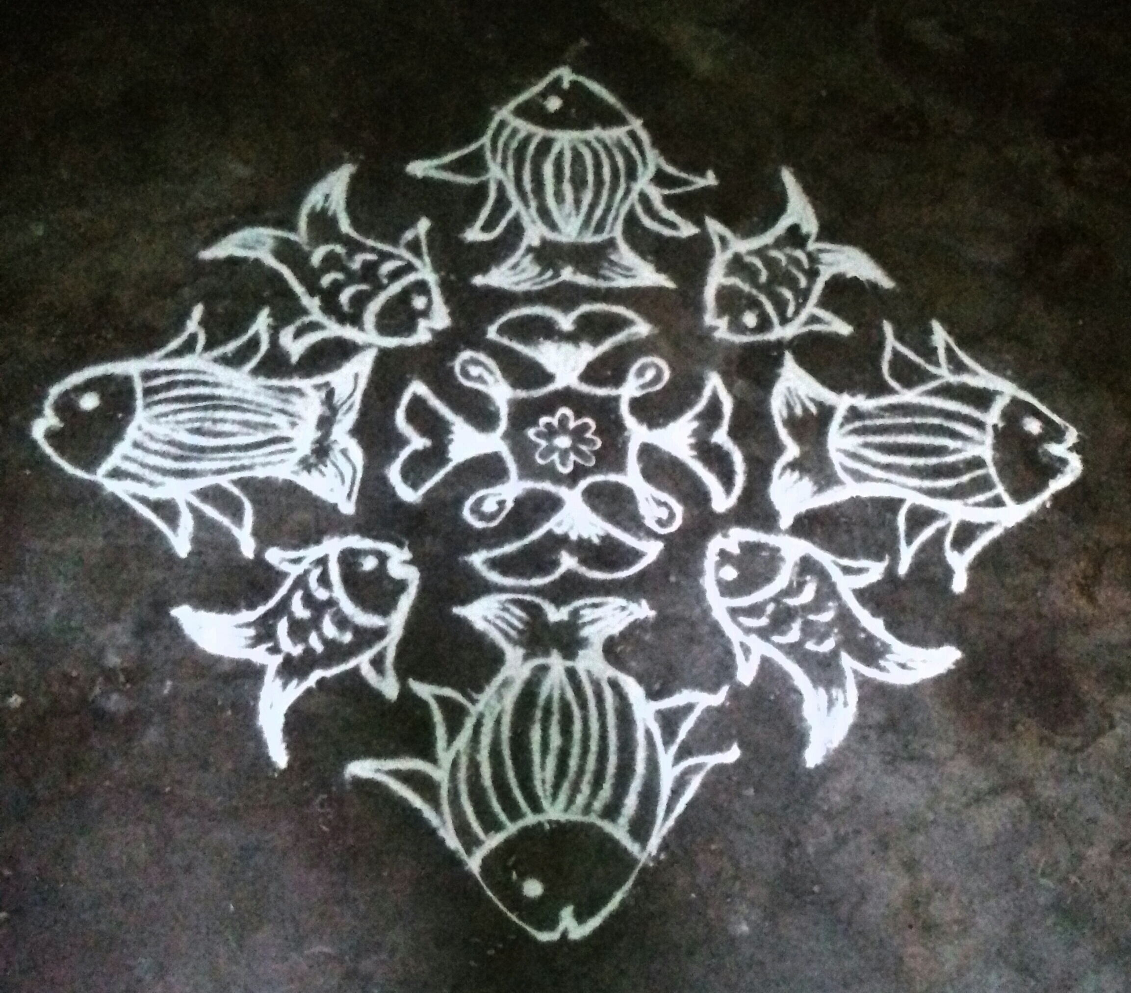 15  dots Fish kolam