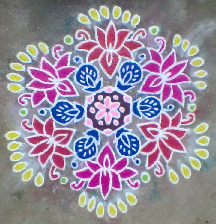 Lotus kolam with 15 dots