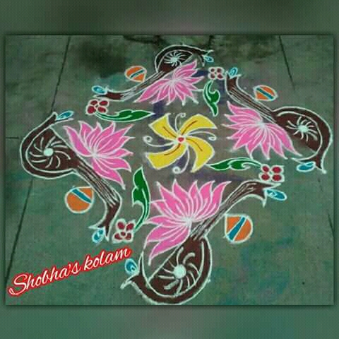 Veenai Kolam with lotus