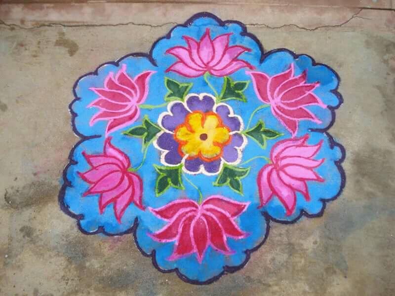 Rose kolam with 15 dots