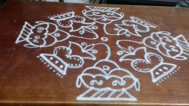 15 dots Design kolam