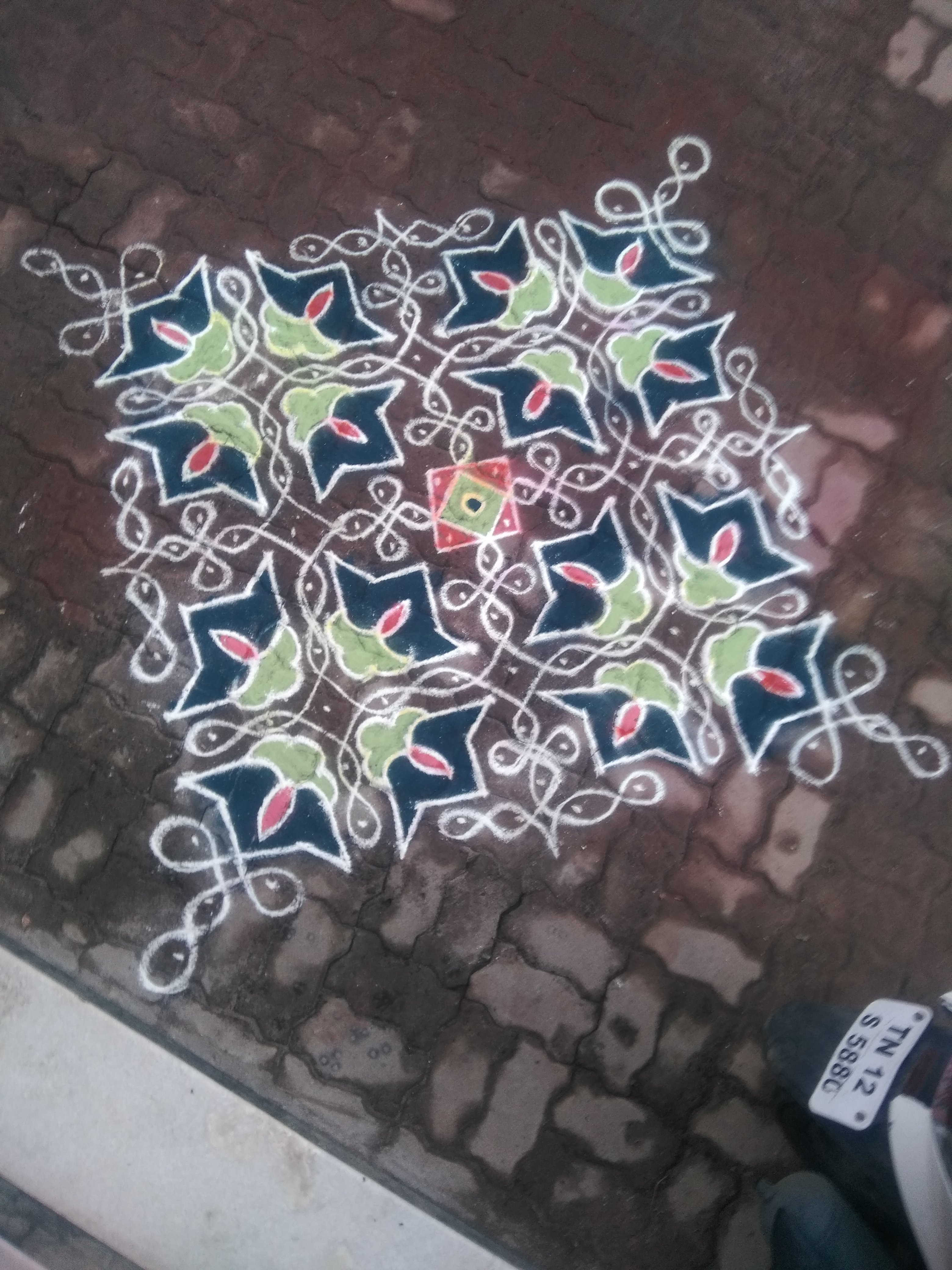 An old school design || 25 dots Contest Sikku Kolam