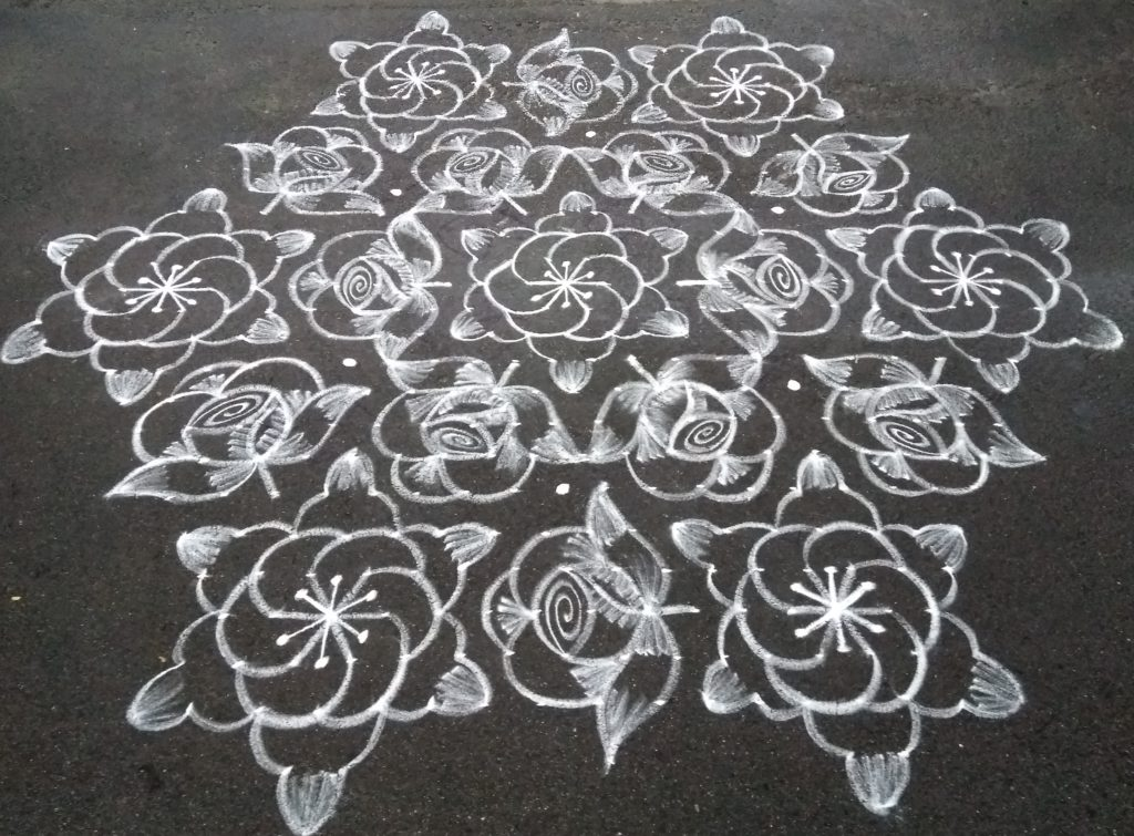 Designer conch and roses || 25 dots contest kolam