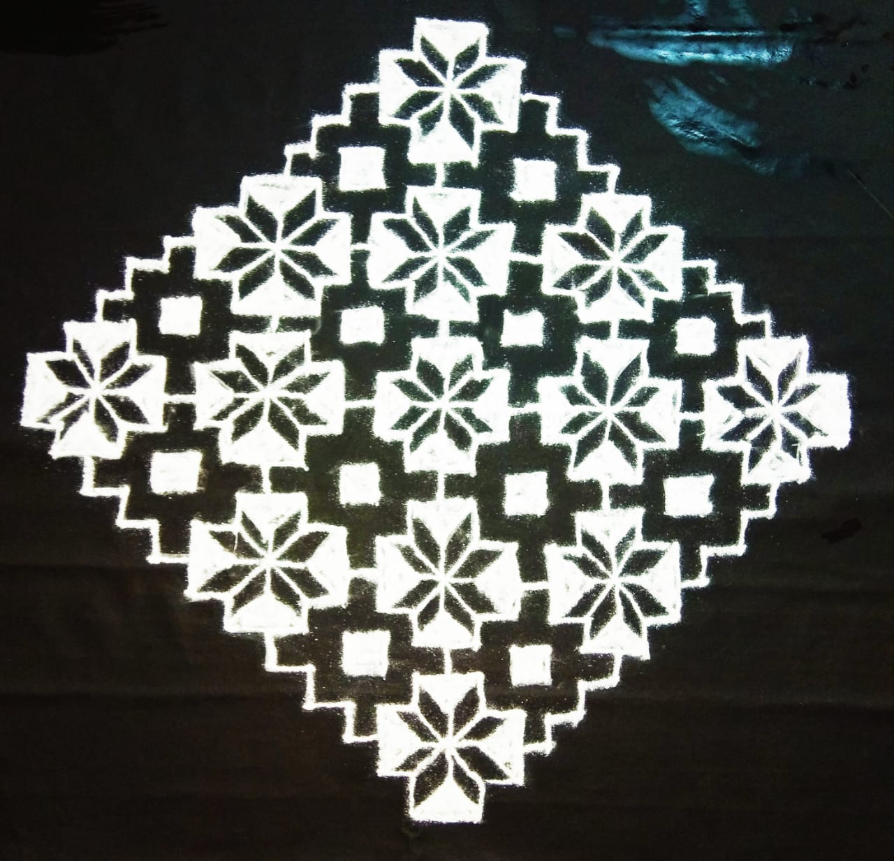 25 dots flower and square kolam || contest Kolam