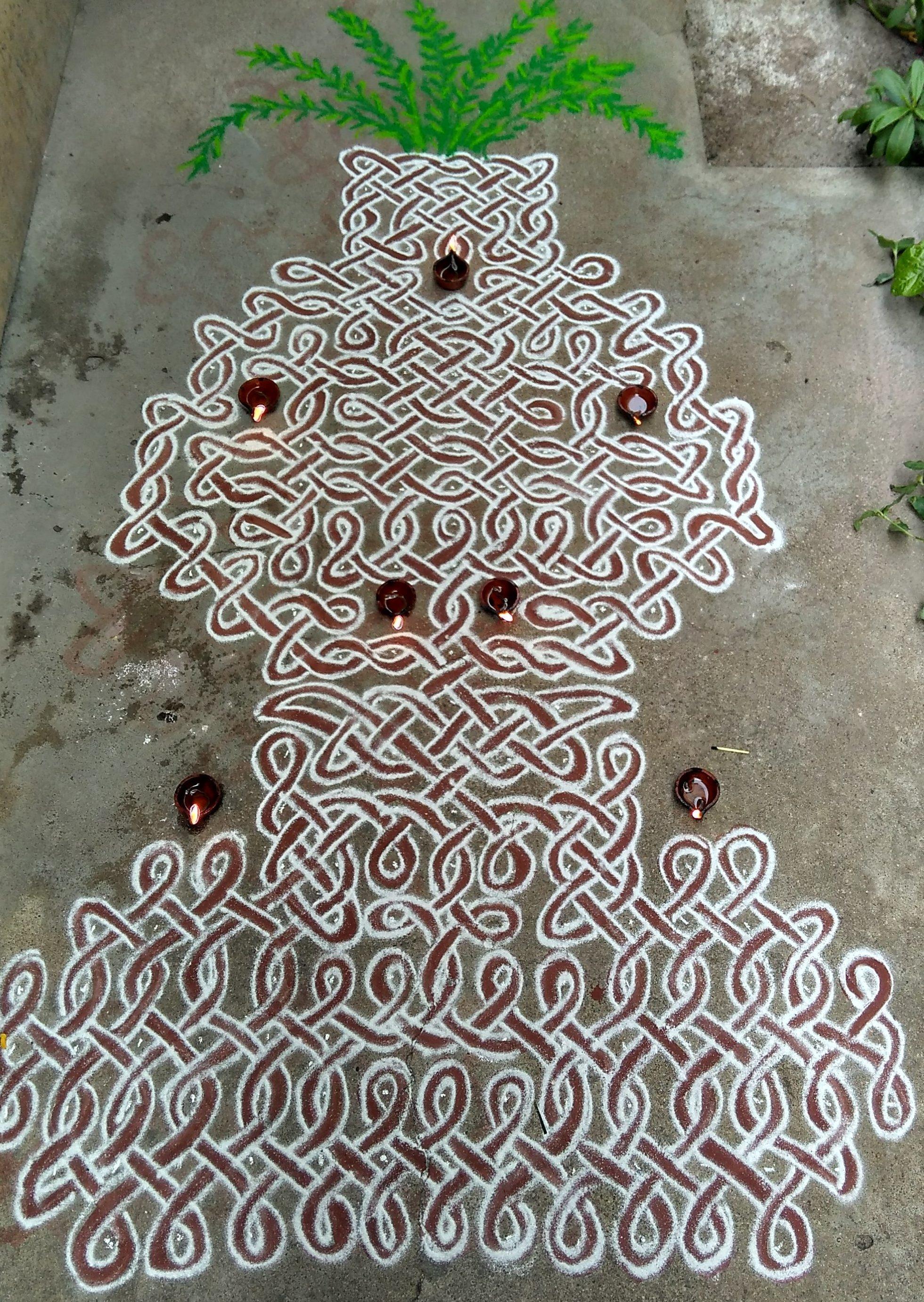 sikku kolam 25 dots contest kolam || Tulasi Brindhavan Kolam